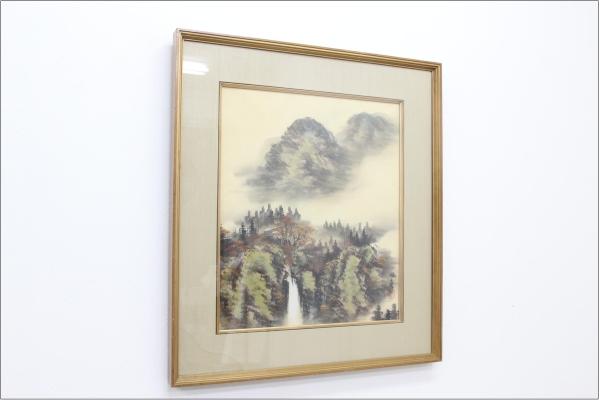 【東山魁夷】 ◆ 錦秋の滝 ◆ 絹本 肉筆 共シール 絵画 風景画の買取-
