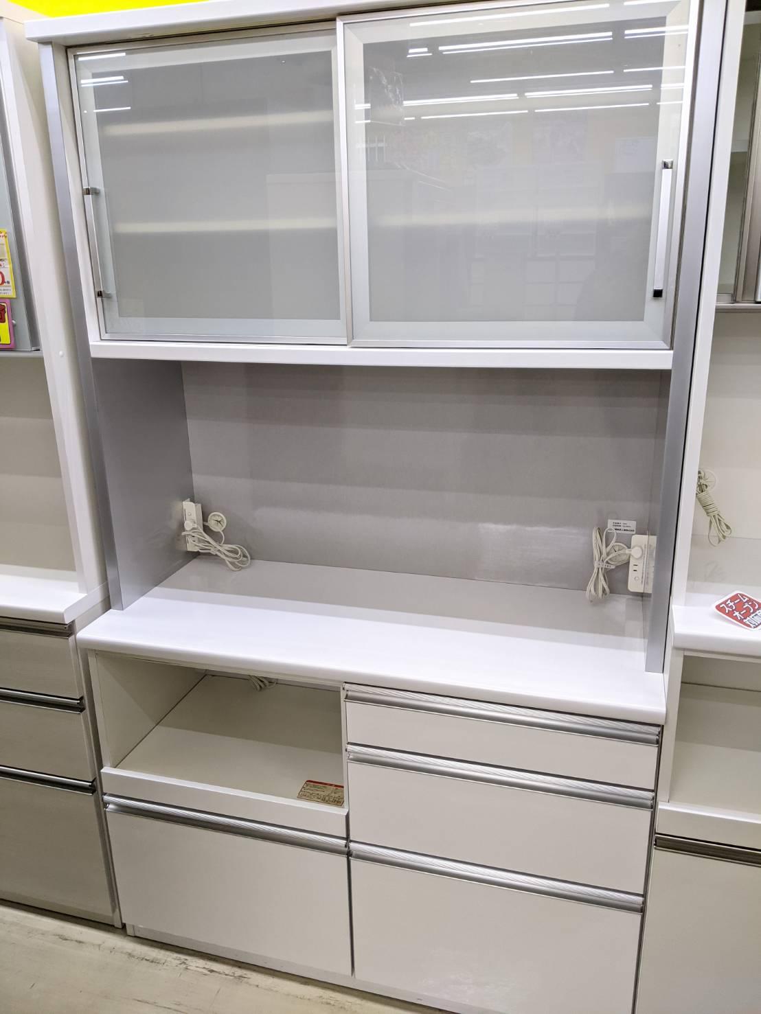 【松田家具 MK MATSUDA エムケーマツダ レンジボード キッチンボード 食器棚 】をお買取り致しました☆の買取-