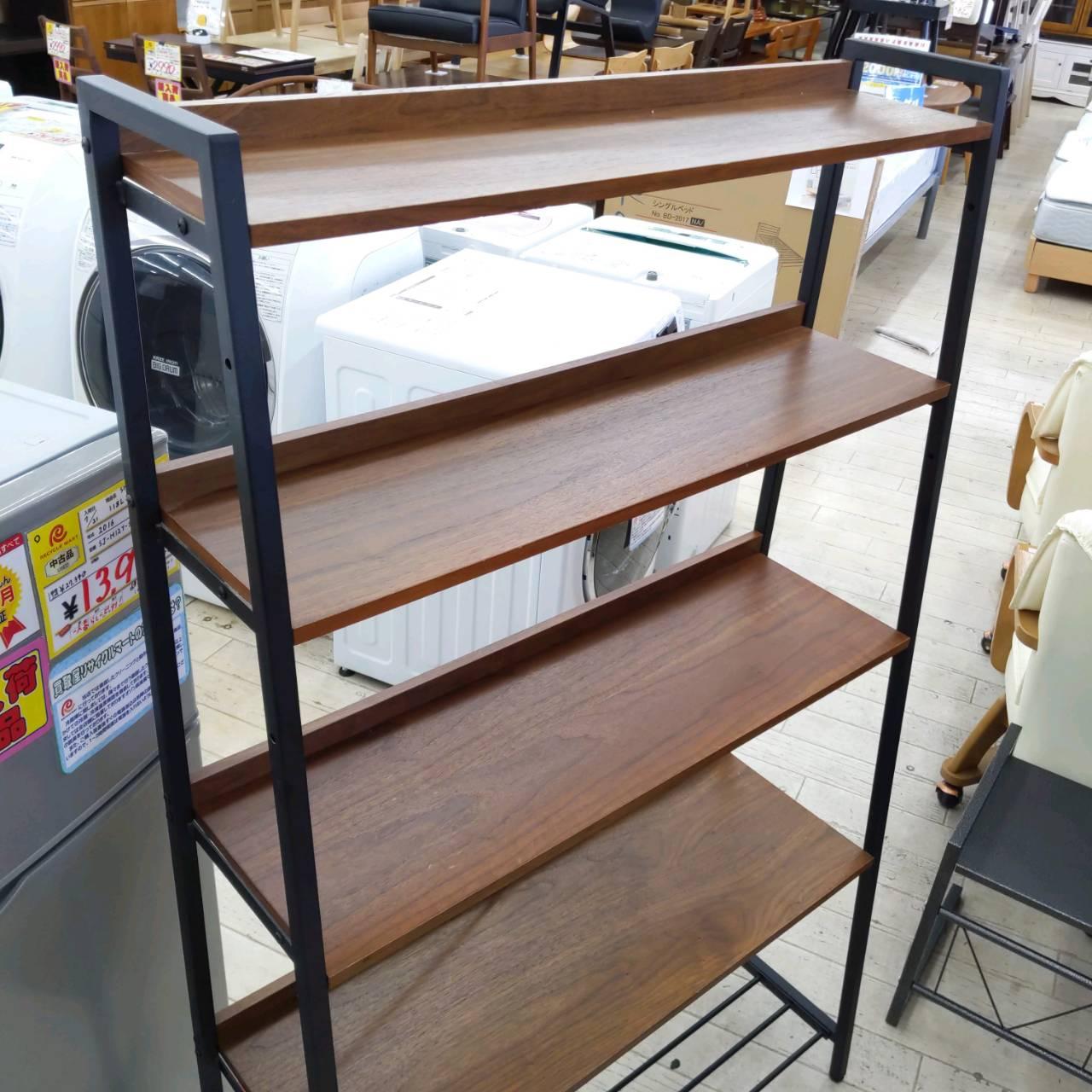 【🌟参考上代3万🌟太陽家具購入🌟アンセムシリーズ🌟台形ラック🌟上二段は板を斜めにできる🌟90幅】を買い取りさせて頂きましたの買取-