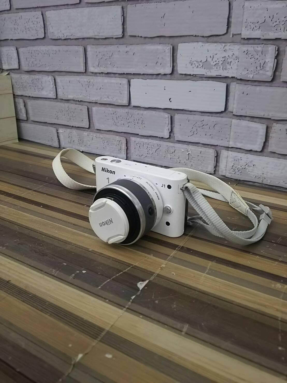 【Nikon/ニコン ミラーレス一眼カメラ Nikon1 (ニコンワン) J1  ホワイト】を買取致しました。の買取-