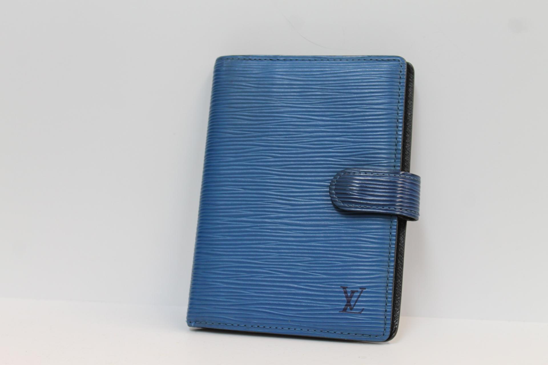 【LOUIS VUITTON ルイヴィトン アジェンダPM エピ 手帳カバー PVC ブルー R20055】を買取させて頂きました!の買取-