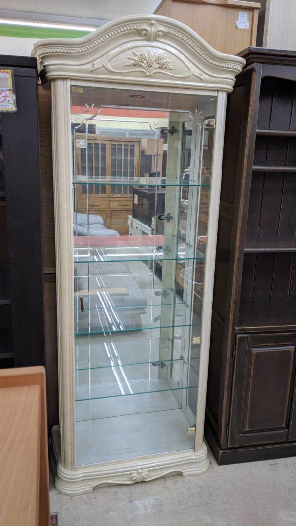 アンティークガラスショーケース/ロココ調/テンパードガラス をお買取りさせて頂きました。