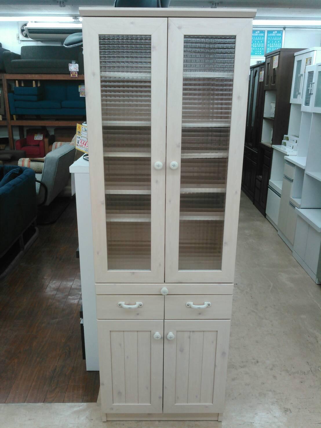 【カップボード 食器棚 キッチンキャビネット かわいい 収納棚】買い取り致しました!の買取-