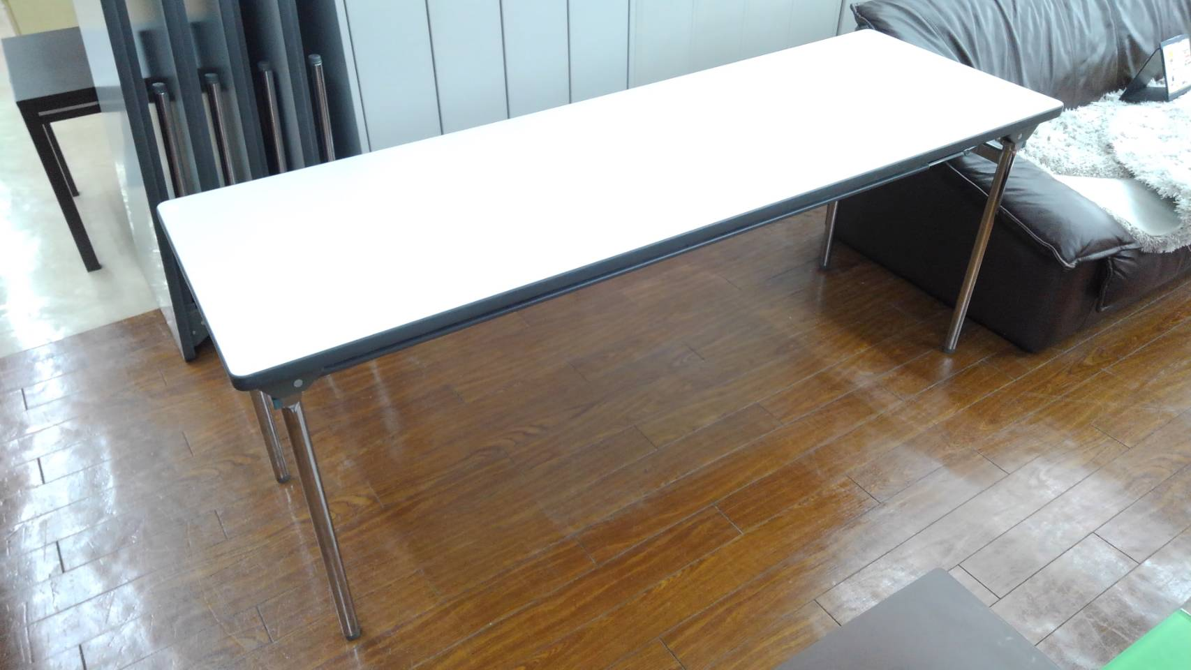 【KOKUYO コクヨ KT-ES501F1 長机 会議用テーブル 折り畳み】買い取り致しました!の買取-