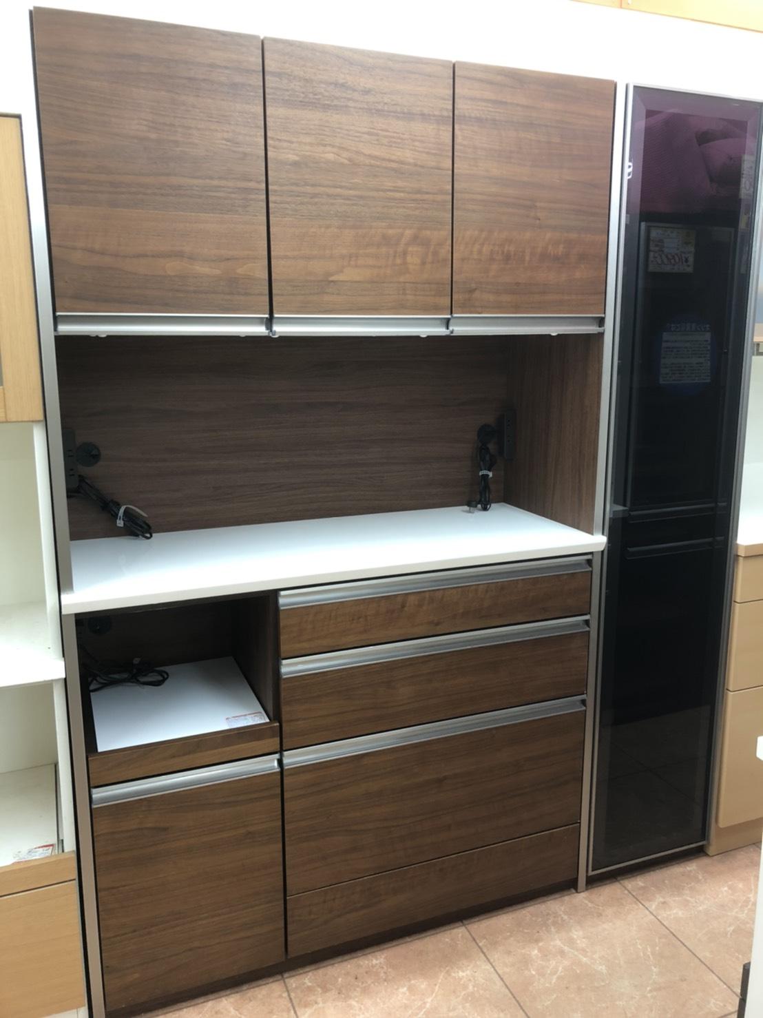 シギヤマ家具工業 REGGEROシリーズ 4面レンジボード 160cm幅 ソフトクロージング スチームオーブン対応 をお買取りさせて頂きました!!の買取-
