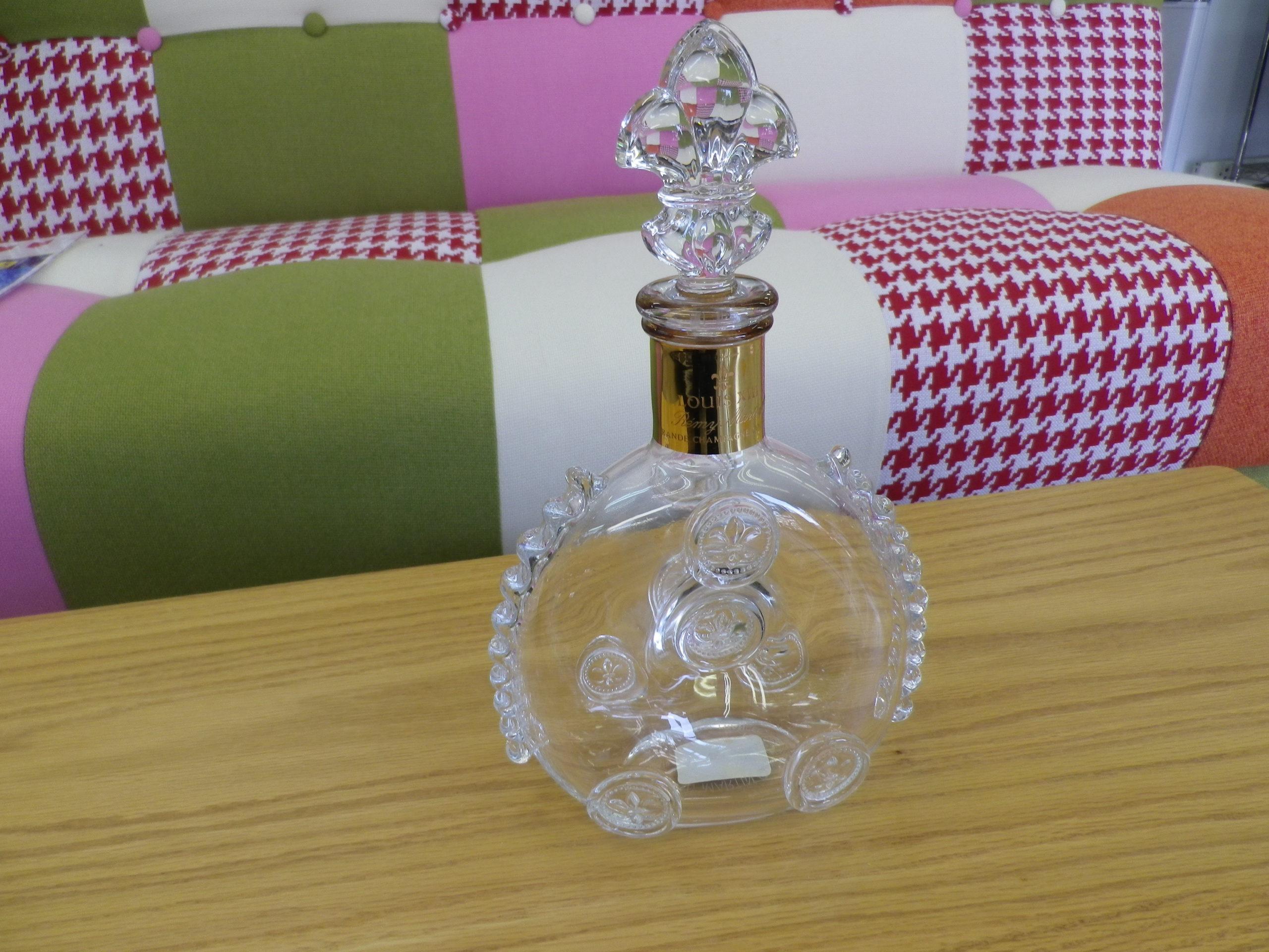 【REMY MARTIN レミーマルタン ルイ13世 Baccarat バカラ クリスタル 700ml ブランデー 空瓶 お酒】を買取させて頂きました!の買取-
