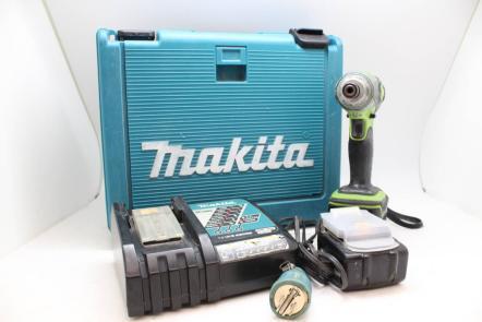 【動作品】 makita/マキタ TD133D インパクトドライバ 14.4V バッテリー 2個 充電器 本体 電動工具を買取致しました!! の買取-